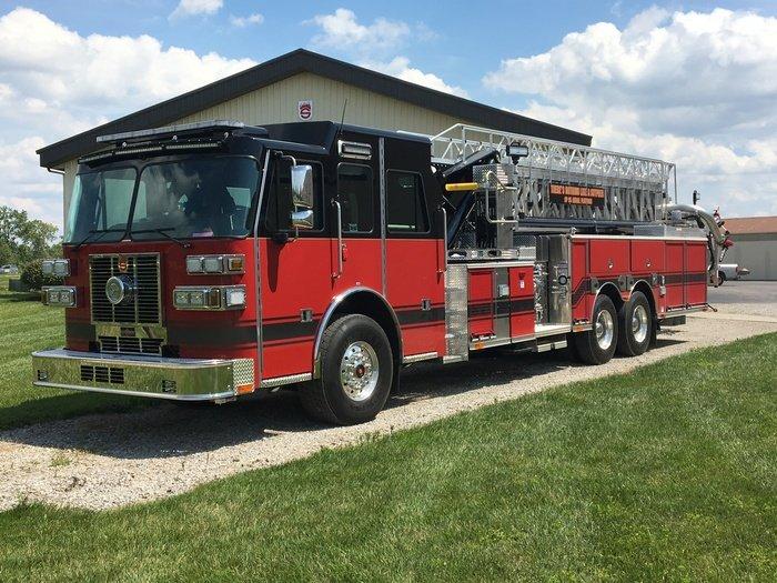 Custom fire truck manufacturer sales sutphen sp 95 aerial platform demo 427 sciox Gallery